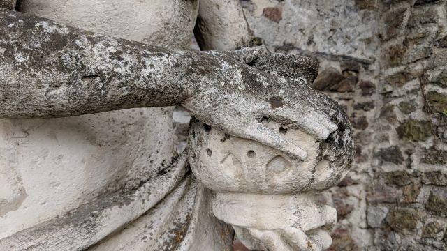 geocaching teambuilding firmenausflug schlosspark statue schatz cache linz