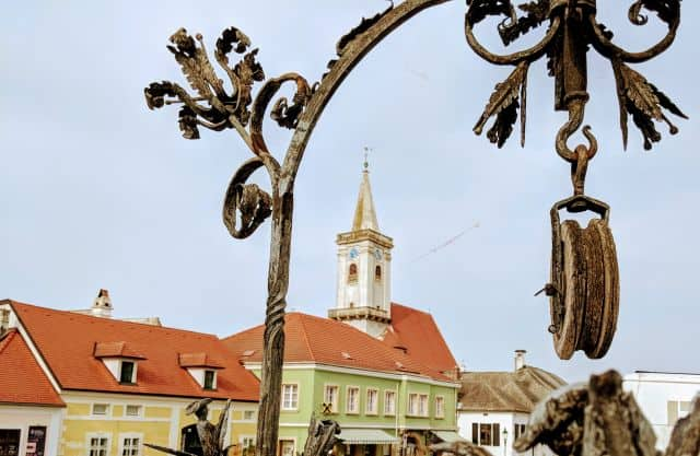 rust moerbisch-dorfplatz-burgenland-geocaching-fahrradtour-wein-mgs
