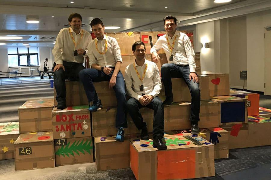bridge to the future bruecke teamevent buehne pyramide firmenveranstaltung team vittori