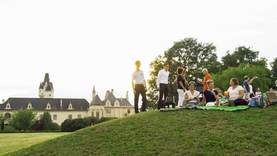 grafenegg park teambuilding teamevent betriebsausflug geocaching noe sonja stangl