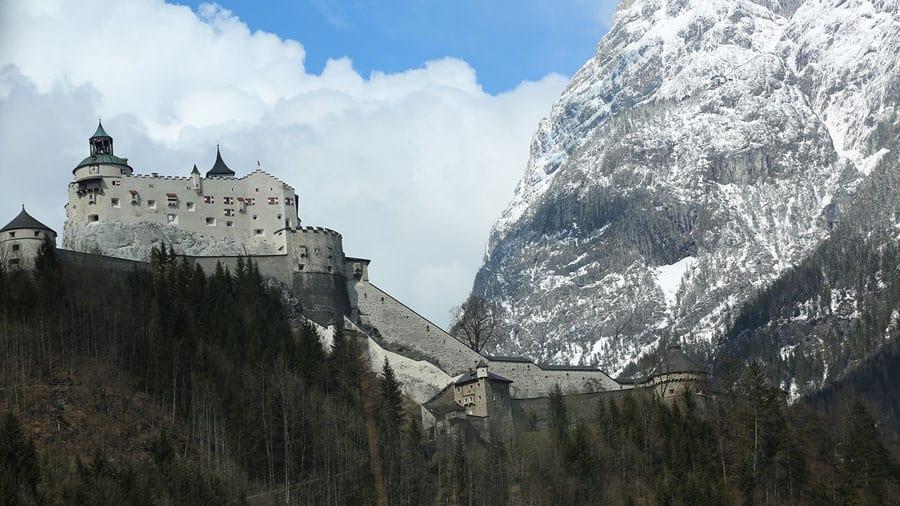 austria salzburg festung hohensalzburg berge schnee moenchsberg geocaching in salzburg teamevent firmenausflug incentive pixabay
