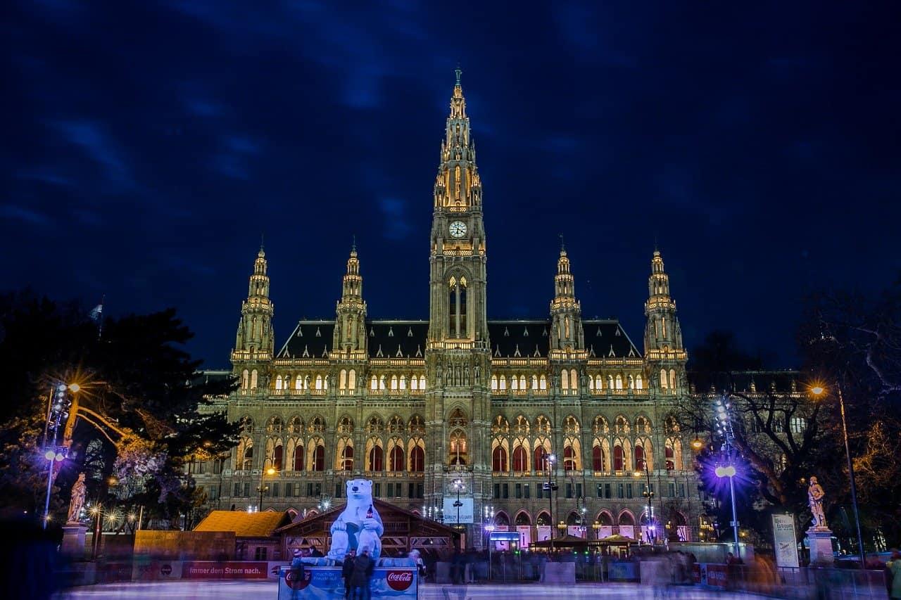 rathaus ring wien city oesterreich bundeshauptstadt christkindlmarkt geocaching teamevent pixabay