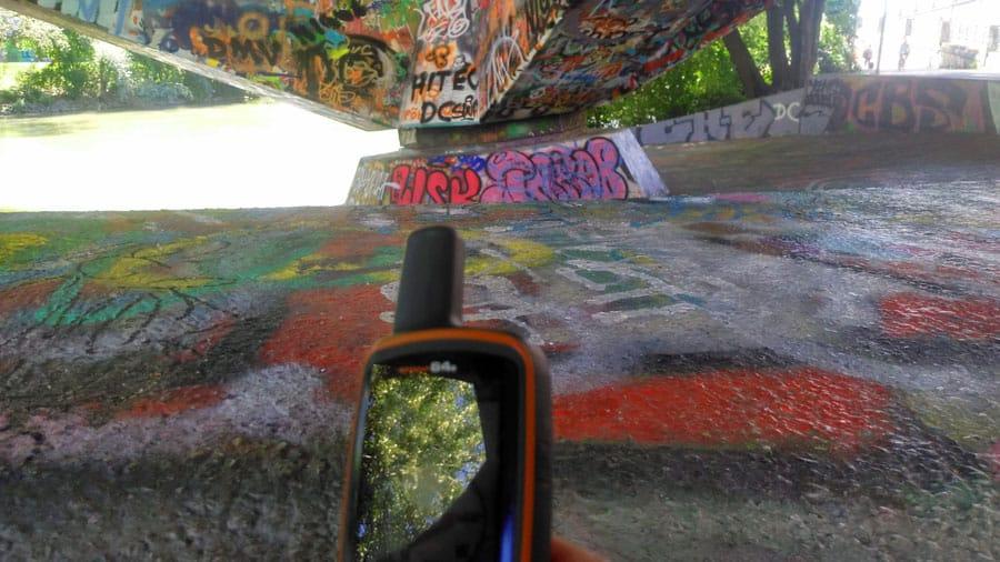 geocachin wien donaukanal graffiti tags gps bs